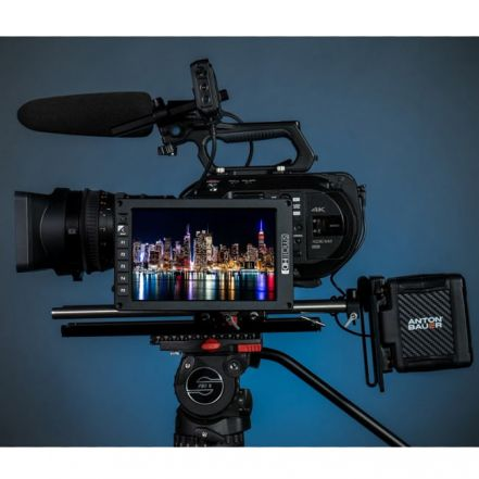 SmallHD 702 OLED Monitor - 7'' OLED Monitor with Scopes Waveform Vectorscope